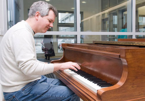 Pianist at the Cancer Centre
