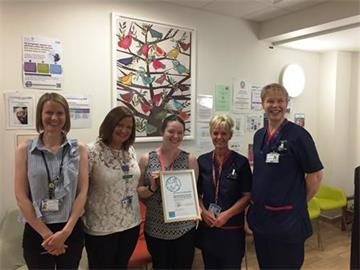 John Radcliffe teams pass first stage of UNICEF Baby Friendly Accreditation